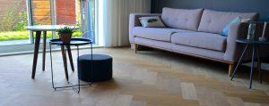 Wat is een gerookte houten vloer?