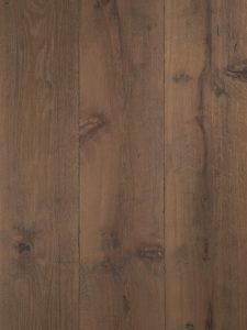 Deze geborstelde kasteelvloer is van de hoogste kwaliteit eikenhout