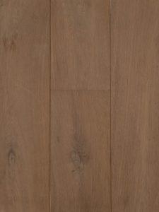 Deze Europees houten vloer is gerookt en geschuurd