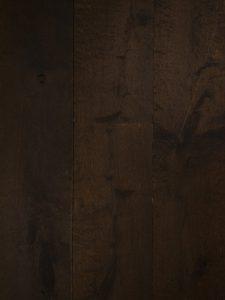 Getrommelde donker bruine vloer