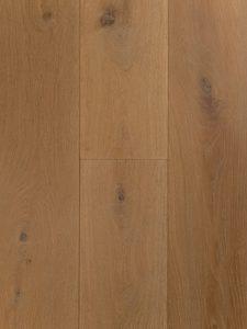 Deze houten vloer is geschaafd, dubbel gerookt en wit geolied