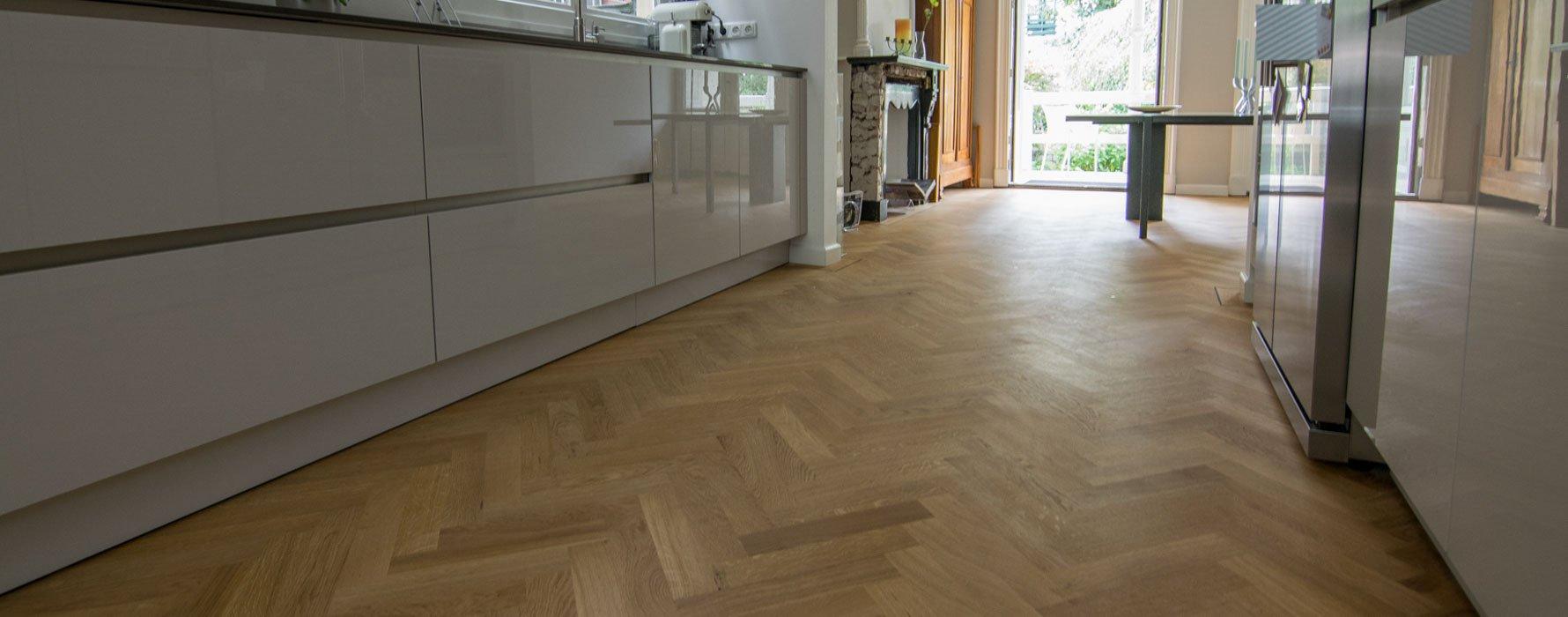 Semi tapis visgraat vloer