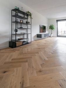 Visgraat vloer duoplank met noesten