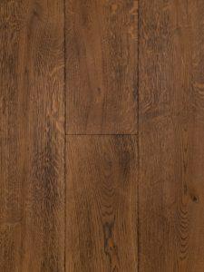 Deze bruine eiken houten vloer is gebrand.