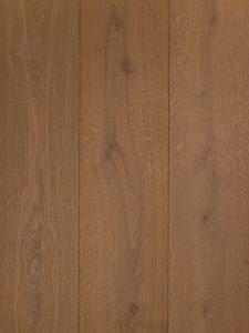 Deze houten vloer is geborsteld en ultraviolette geolied.