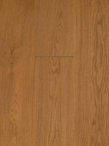 Deze houten vloer is naturel geolied en van hoge kwaliteit.