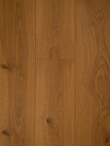 Deze naturel geoliede vloer is met uv olie bewerkt.