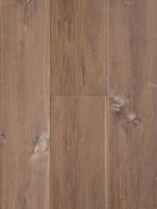 Deze houten vloer is verouderd en gerookt. Geeft karakter aan je woonomgeving.