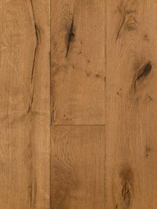 Deze verouderde en karakteristieke houten vloer is 80 jaar oud.