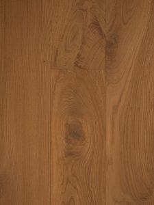 Doordat deze witte vloer dubbel is gerookt ontstaat een natuurlijke uitstraling