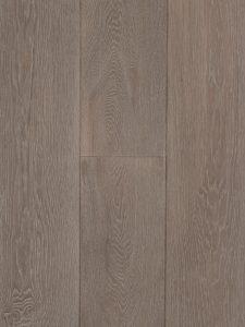 Deze grijze houten vloer is zwaar geborsteld.