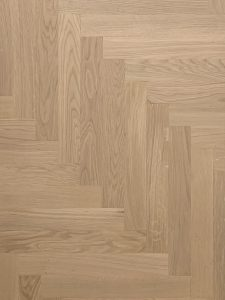 Deze vloer wordt ook wel het elleboog patroon genoemd.