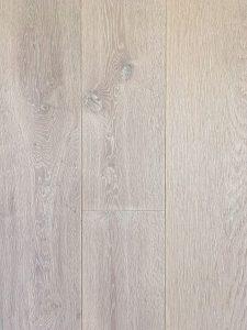 Deze geborstelde witte vloer heeft een duidelijke nerfstructuur