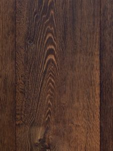 Houten vloer met geborstelde structuur