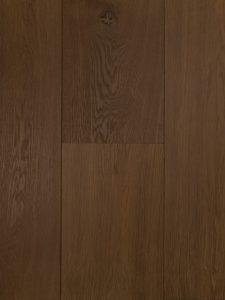 Deze lamelparket vloer is kern gerookt en heeft hierdoor kleurnuances