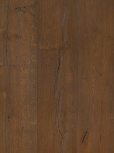 Deze oude grijze houten vloer bevat scheuren en is geschikt voor vloerverwarming
