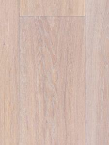 Witte vloer van eikenhout
