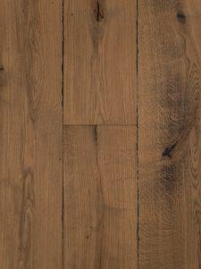 Deze eiken houten vloer is zwaar verouderd en heeft daardoor een doorleefde uitstraling