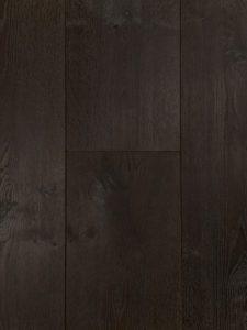 Deze duoplank houten vloer heeft een intens zwarte kleur
