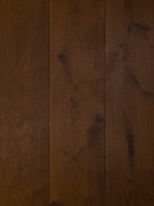 Deze bruine vloer laten leggen door de specialisten van Dutzfloors