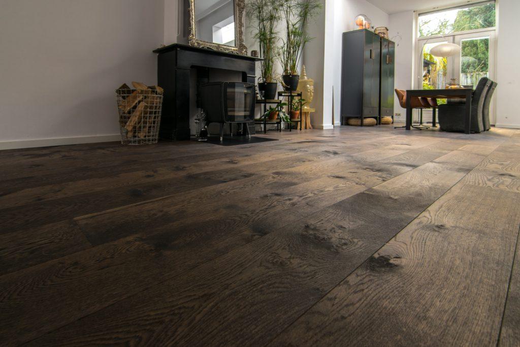 duurzame bruine houten vloer
