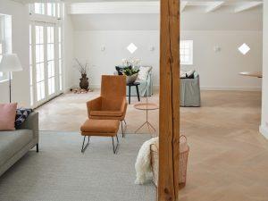 Strakke witte visgraat vloer inspiratie