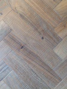 Visgraat noten hout