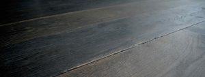 Zwarte houten vloer Dutzfloors