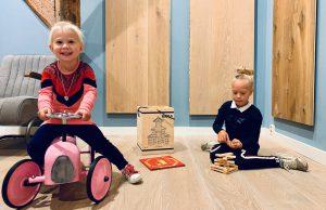Kinderen houten vloeren