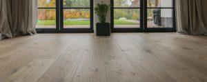 Geschaafde eiken houten vloeren