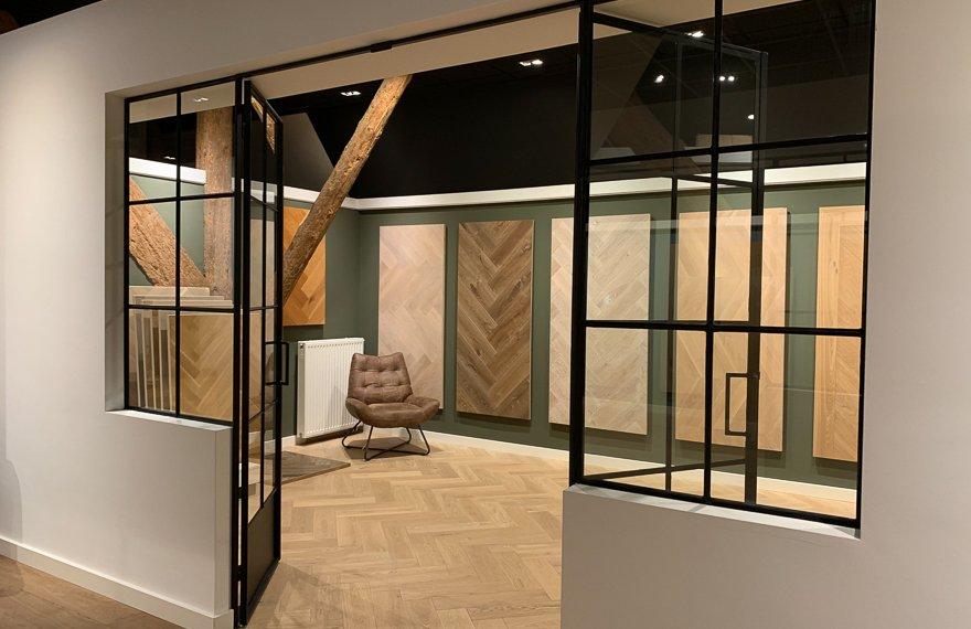 Visgraat parketvloeren showroom