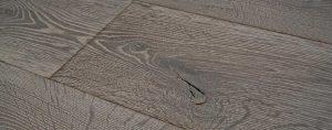 Zwaar geborstelde vloeren