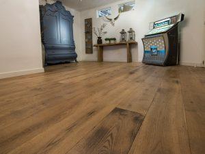 Gebrande houten vloer