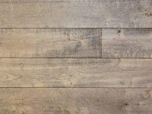 Getrommelde grijze houten vloer
