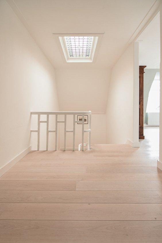 Geschuurde 1bis houten vloer