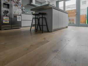 Houten vloer geplaatst in Leeuwarden
