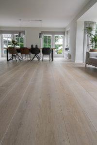 Planken vloer verlijmen op vloerverwarming