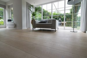 Plankenvloer in woonkamer