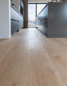 Verouderde vloer voor op vloerverwarming