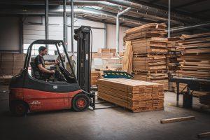 Verplaatsen houten vloeren