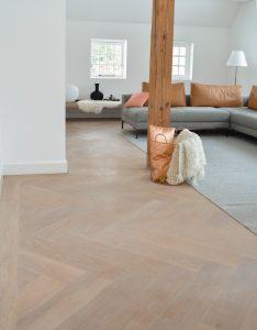 Witte visgraat vloer 14x56