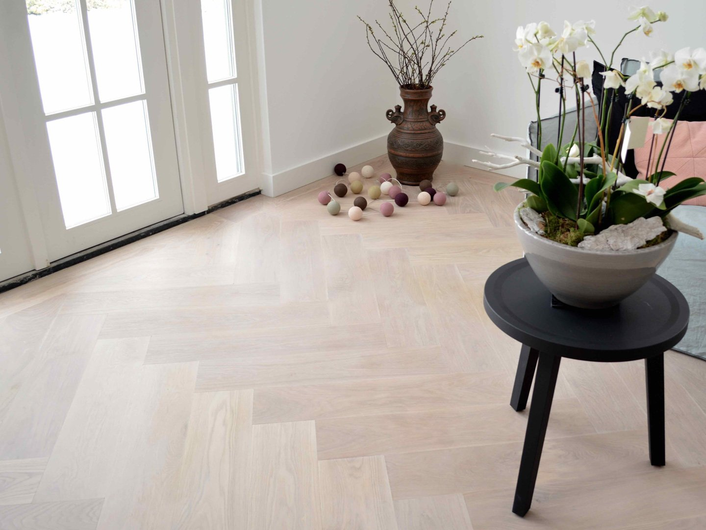 Witte visgraat vloeren inspiratie
