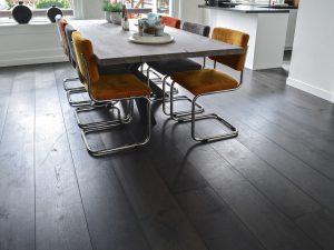 Zwarte houten vloeren Leeuwarden