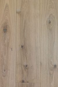 Blank geoliede ultraviolette houten vloer