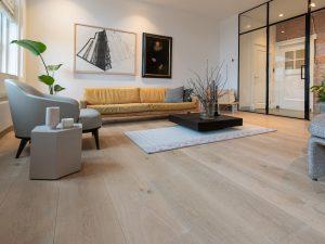 Eiken planken vloer geplaatst in Amsterdam