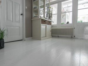 Spierwitte houten vloer