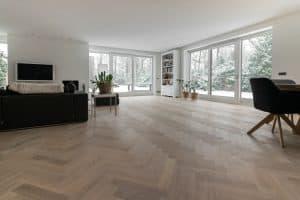 Visgraat tapis vloer Friesland