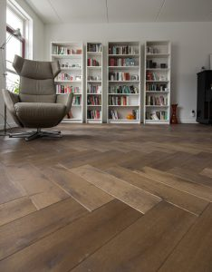 Visgraat vloer Zuidhorn