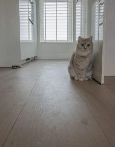 Wit eikenhouten vloer