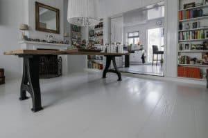 Wit gelakte vloer Friesland